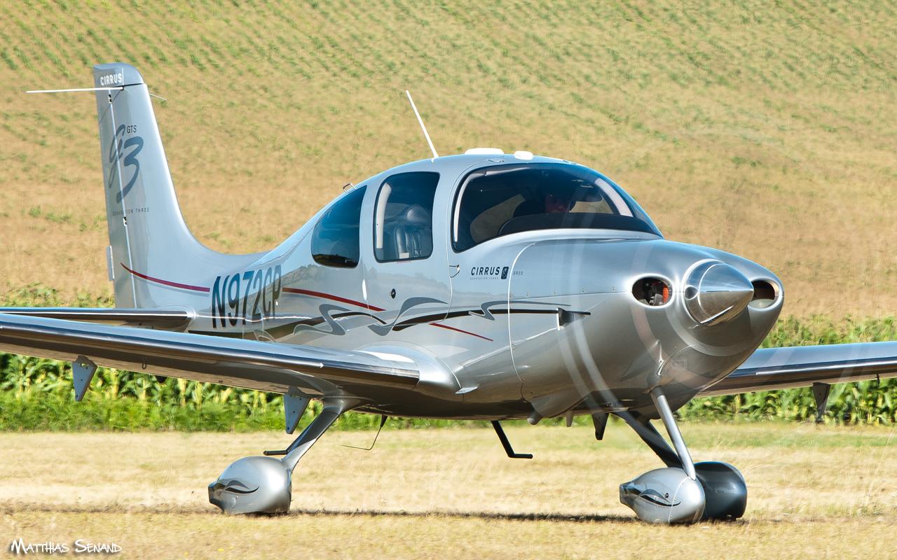 Cirrus SR22 privé
