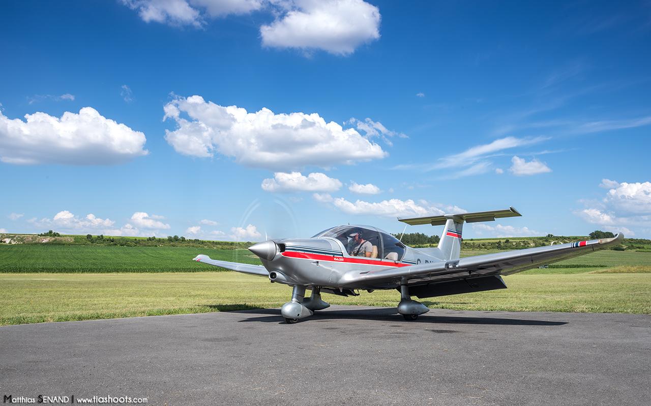 Robin R3000